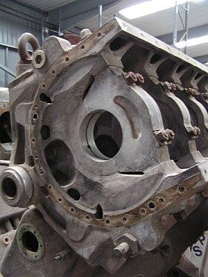 4-bolt main - Napier Deltic diesel locomotive engine, showing 4-stud main bearings