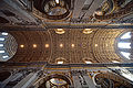 Nave of St. Peter's Basilica 01.jpg