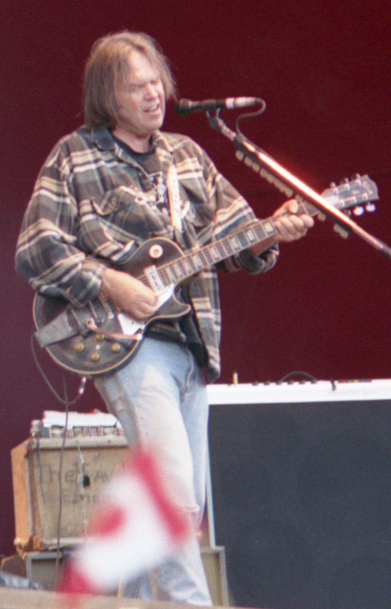 Neil Young 1996.jpg