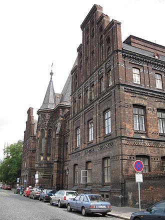 First Faculty of Medicine, Charles University in Prague - Image: Nemocnice U Apolinare