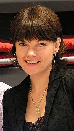 Nicole de Boer.jpg