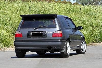 400px-Nissan-pulsar-gtir-series1-rear.jpg