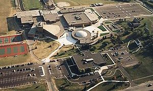 Novi High School - An aerial view of Novi High School (before the 2005 expansion) and the old Novi Public Library.
