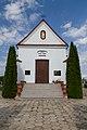 Odnowiona Kaplica cmentarna na Brzezinach.jpg