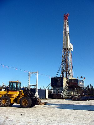 Petroleum industry in Canada - Drilling rig in northern Alberta
