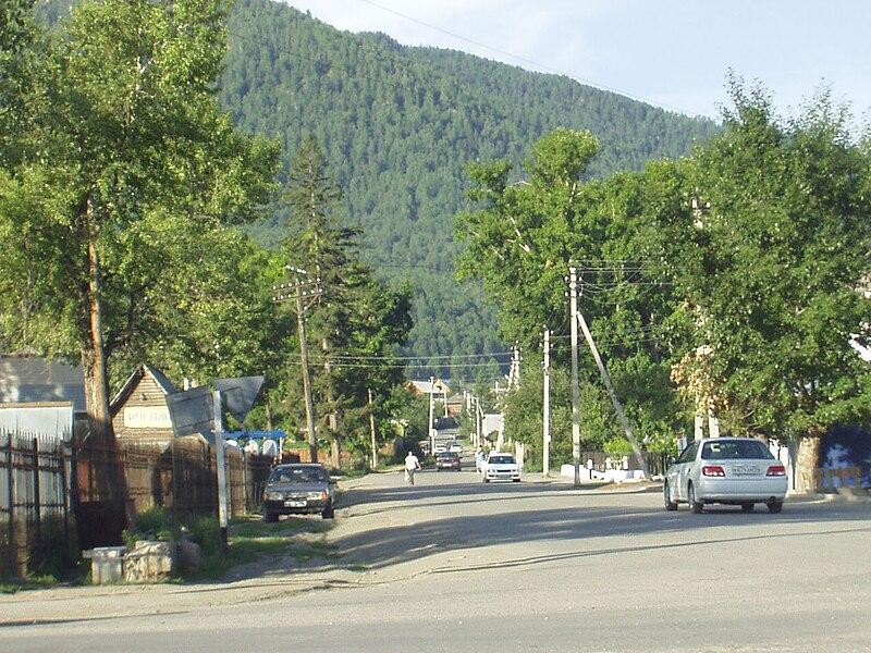 Файл:Ongudai settlement in Altai.JPG