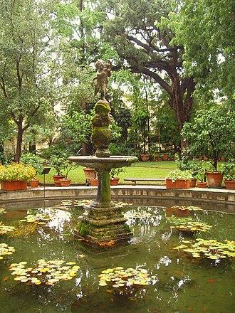 Orto Botanico di Firenze - Central fountain, with a copy of Verrocchio's Putto with a Dolphin