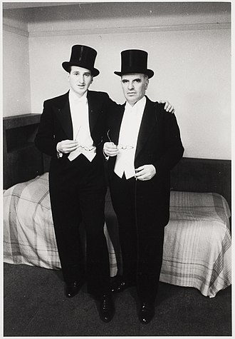 Erich Salomon - Erich Salomon (right) and his son Otto Salomon (Peter Hunter) (left), London 1935