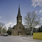 Overzicht van de westgevel met de kerktoren - Rotterdam - 20387267 - RCE