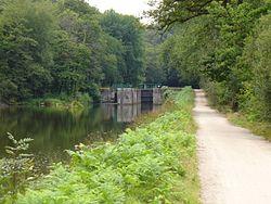 P1000594-Canal-Nantes-Brest-Ecluse-156-Trehu-Moron.jpg