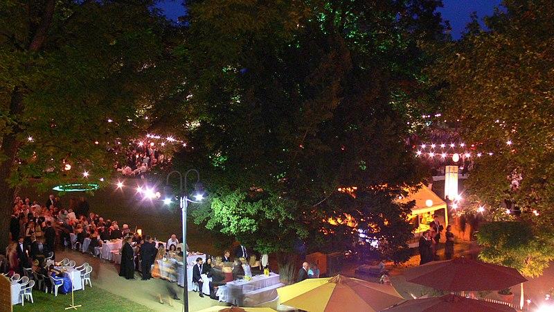 File:P1000946 Schlossgartenfest Erlangen.jpg