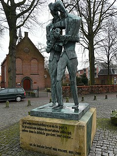 Statue of <i>Vincent and Theo van Gogh</i> statue by Ossip Zadkine in the Netherlands