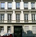 P1260193 Paris VII rue de Universite n8 rwk.jpg