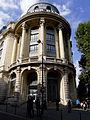 P1320955 Paris XVIII rue de Sofia bd Barbes BNP rwk.jpg