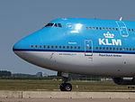 PH-BFK KLM Royal Dutch Airlines Boeing 747-406(M) - cn 25087 taxiing 21july2013 pic-002.JPG