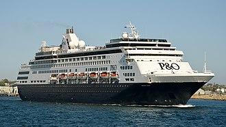P&O Cruises Australia - Image: Pacific Eden, Fremantle, 2015 (02)