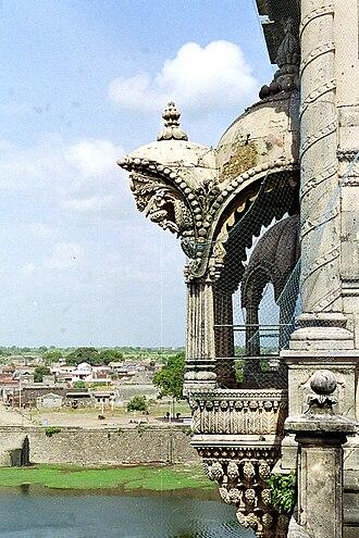 Akshar Deri - Naulakha Palace balcony that inspired the shape of Akshar Deri