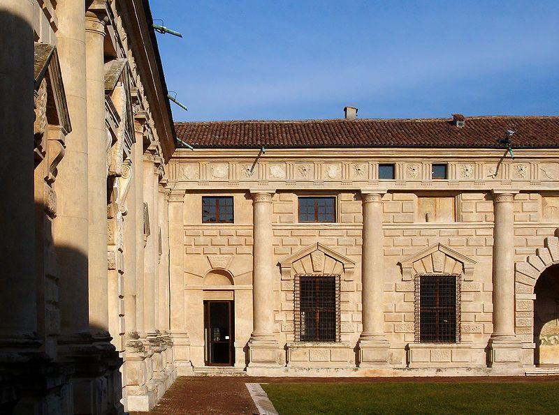 File:Palazzo Te Mantova 7gen06 scorcio.jpg