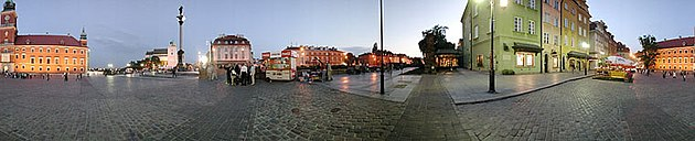 Panoramic view of Castle Square in Warsaw.jpg
