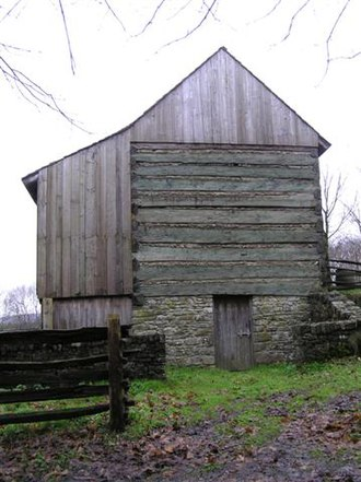 Pennsylvania barn - Sweitzer or Swisser type of Pennsylvania Log Barn, Ulster American Folkpark - geograph.org.uk - 289300