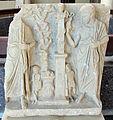 Periodo ellenistico, rilievo funebre, II sec. ac., da kyme.JPG