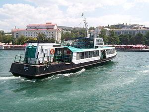 Persey ferry in Sevastopol.jpg