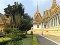 Phnom penh royal palace 02032011083.jpg