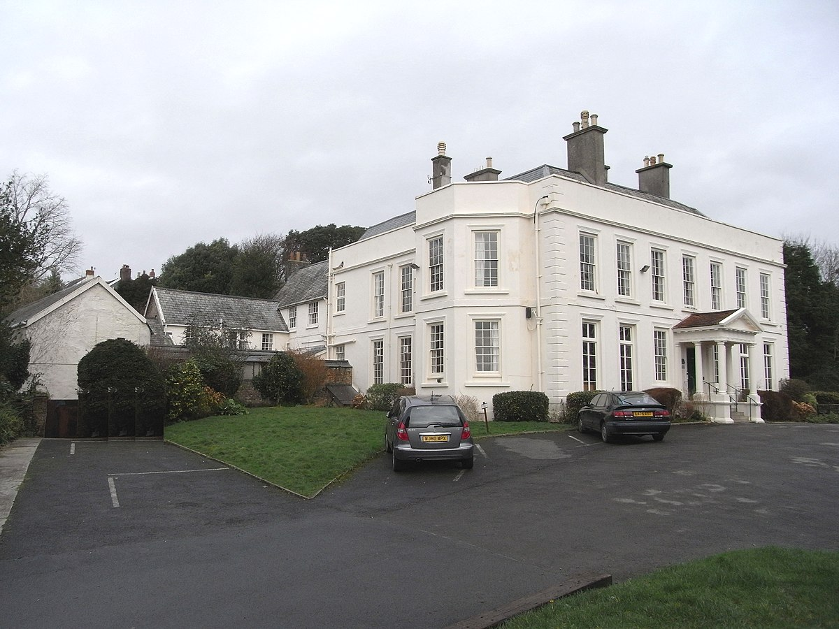 Pilton house pilton wikipedia for Classic house wikipedia