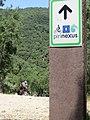 Placa de la ruta cicloturista Pirinexus, parte del EuroVelo 8.jpg