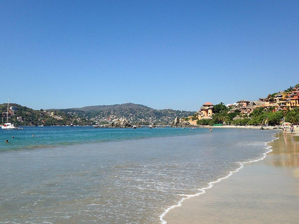 Playa La Ropa ha sido declarada como la más hermosa de toda la región.