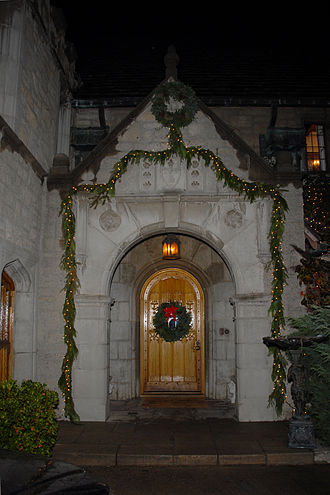 Playboy Mansion - Image: Playboy Mansion Front Door 2007