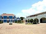 Plaza ubicada frente a la Vela de Coro , Estado Falcón, Venezuela.jpg