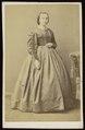 Plumier, Alphonse - carte de visite, Portret van een vrouw, staand (P 1971 0088 0003).tif