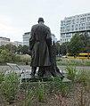 Pomnik adama loreta tył.jpg