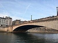 Pont de la Tournelle incendie Notre Dame 20h07.jpg