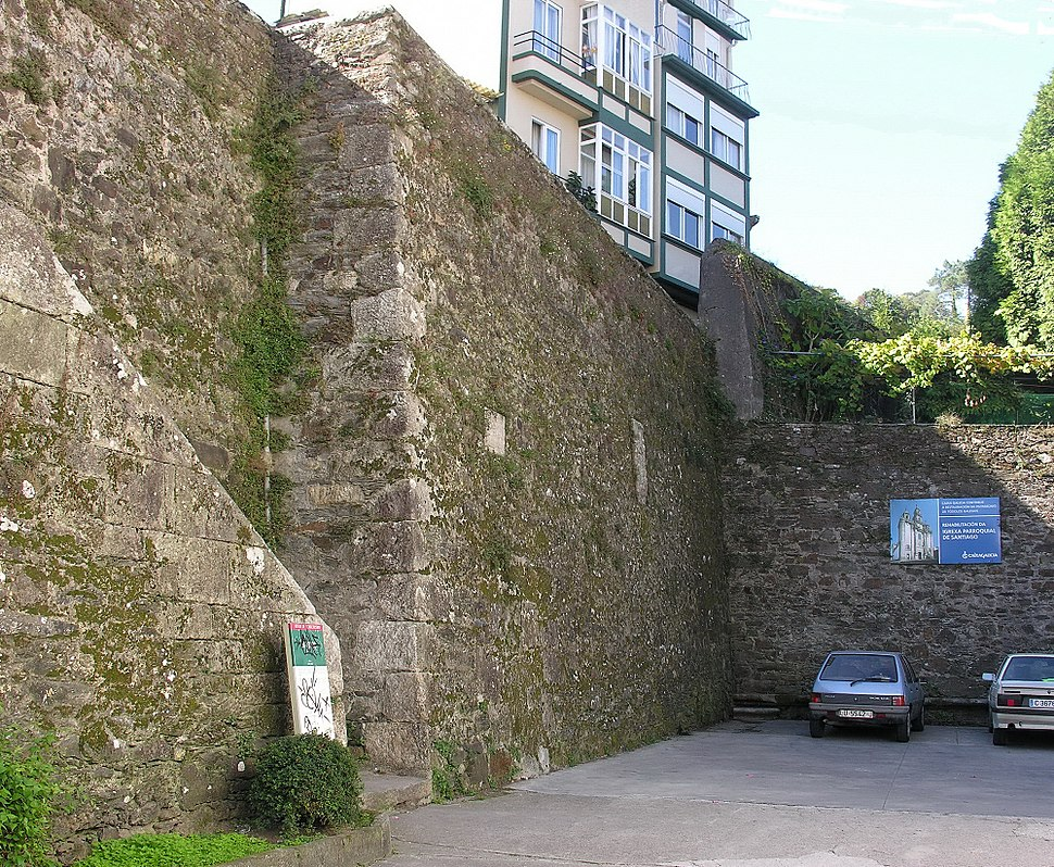 Pontedeume.Restos da antiga muralla.Galiza.017