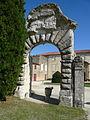 Porte chateau du Busca.jpg