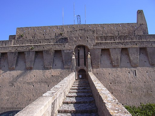 Porto Santo Stefano, ingresso Castello