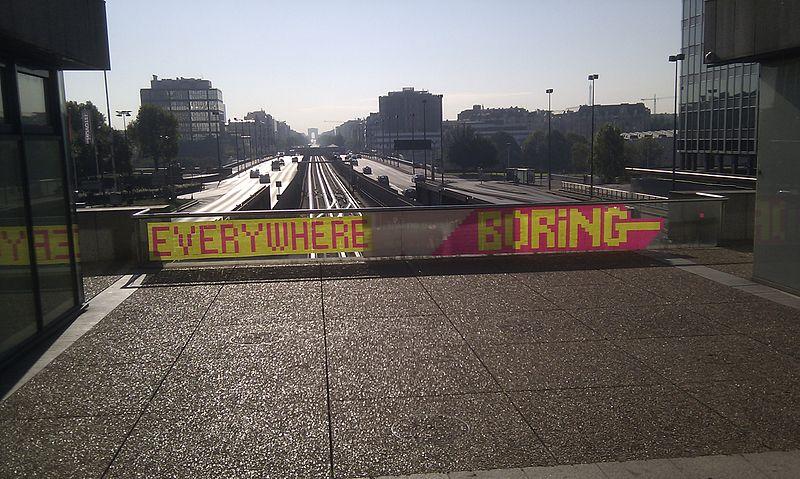 File:Post-it street art in La Défense.jpg