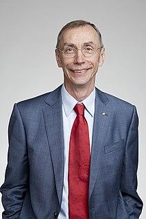 Swedish biologist, paleogeneticist