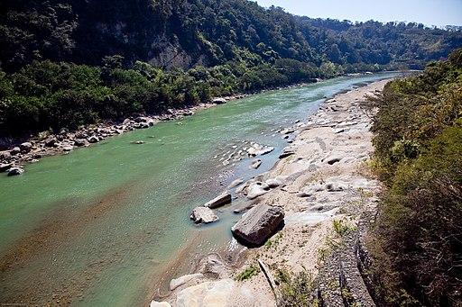 Río Bermejo frontera Bolivia (izq.) y Argentina (dcha)