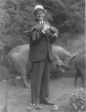 Ralph Flanders - Ralph Flanders 1940 campaign publicity photograph. Courtesy of the Vermont State Archives, Office of the Secretary of State