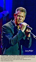Randy Travis performs at the dedication of the Johnny Cash postage stamp, June 5, 2013.jpg
