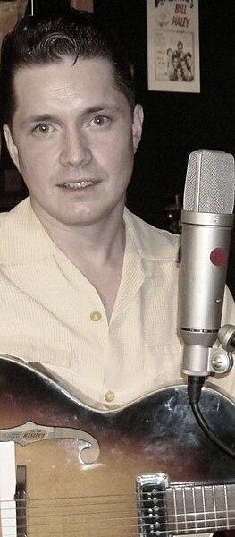 Live Uit Lloyd - Phil Friendly  263px-Recording_Studio