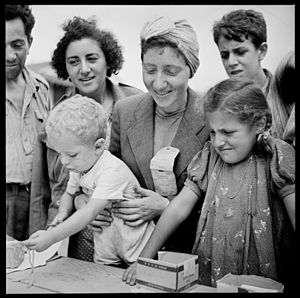 Fort Ontario Emergency Refugee Shelter - Image: Refugees Registering at the Fort Ontario Refugee Camp, Oswego, New York, 08 1944