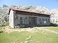 Refugio de Vegarredonda ( Asturias , Picos de Europa ) - panoramio.jpg