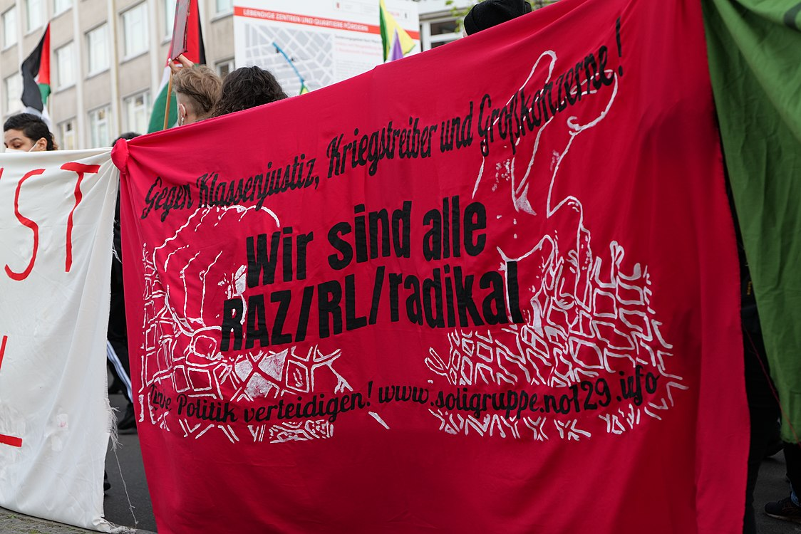 Revolutionary 1st may demonstration Berlin 2021 54.jpg