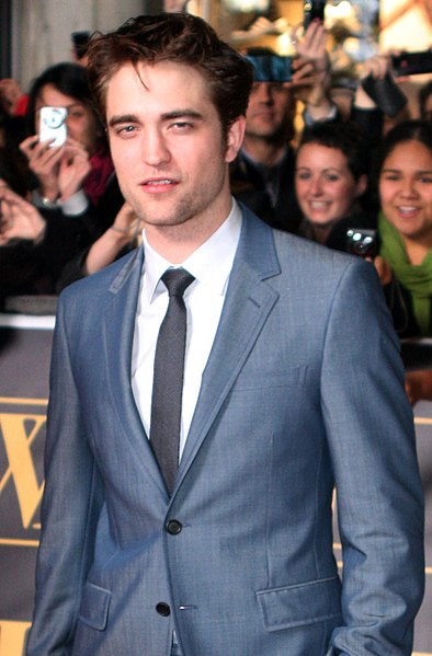 File:Robert Pattinson May 2011.jpg