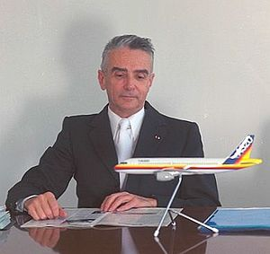 Roger Béteille - Roger Béteille in 1985 in his aerospatiale office