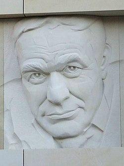 Roman Wilhelmi (relief).JPG